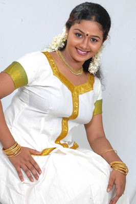 HOT ACTRESS SARANYA SASI  PICTURES