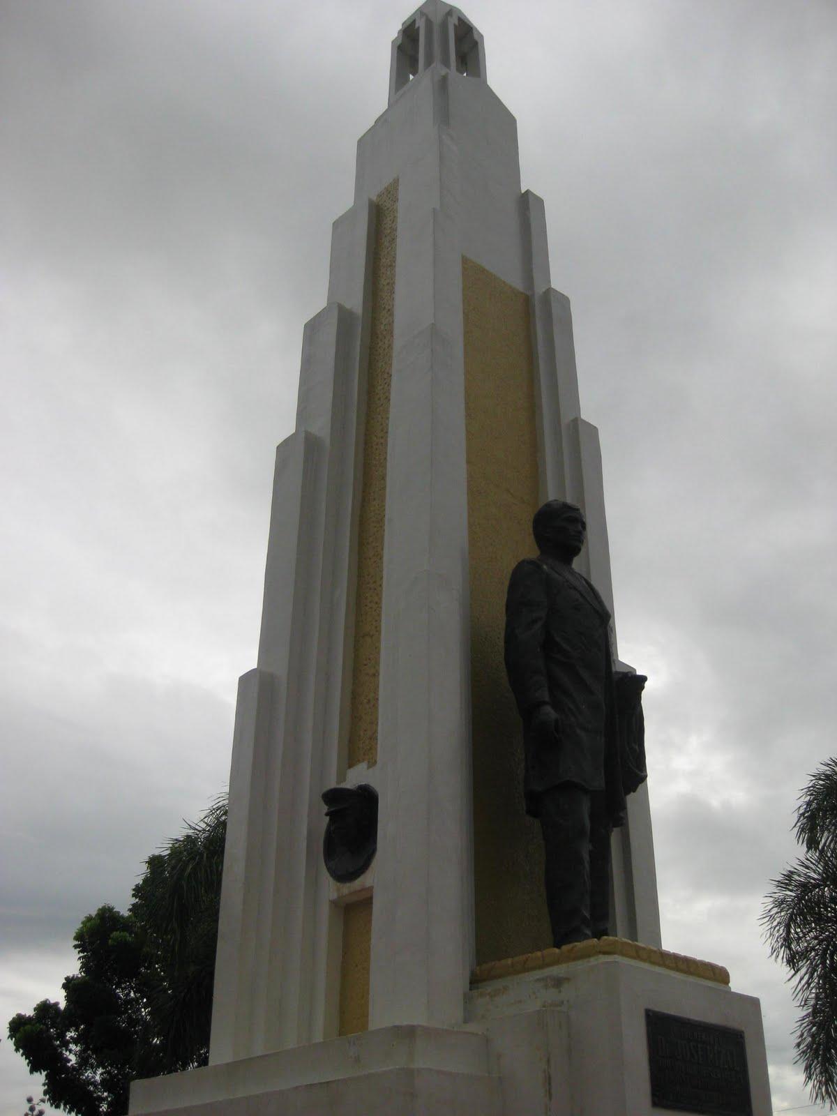 bahay kwentista  rizal monument