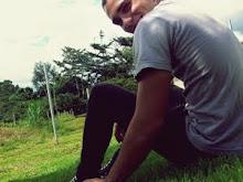 Estoy perdidamente enamorada de tu sonrisa.