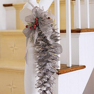 Home christmas decoration christmas decor interesting for Christmas decorations using pine cones