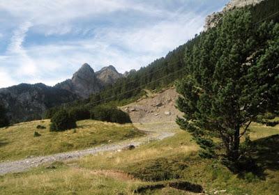 las bellas montañas de rioseta