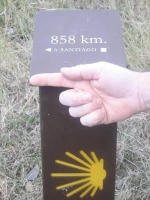 señalizacion kilometrica del camino desde somport