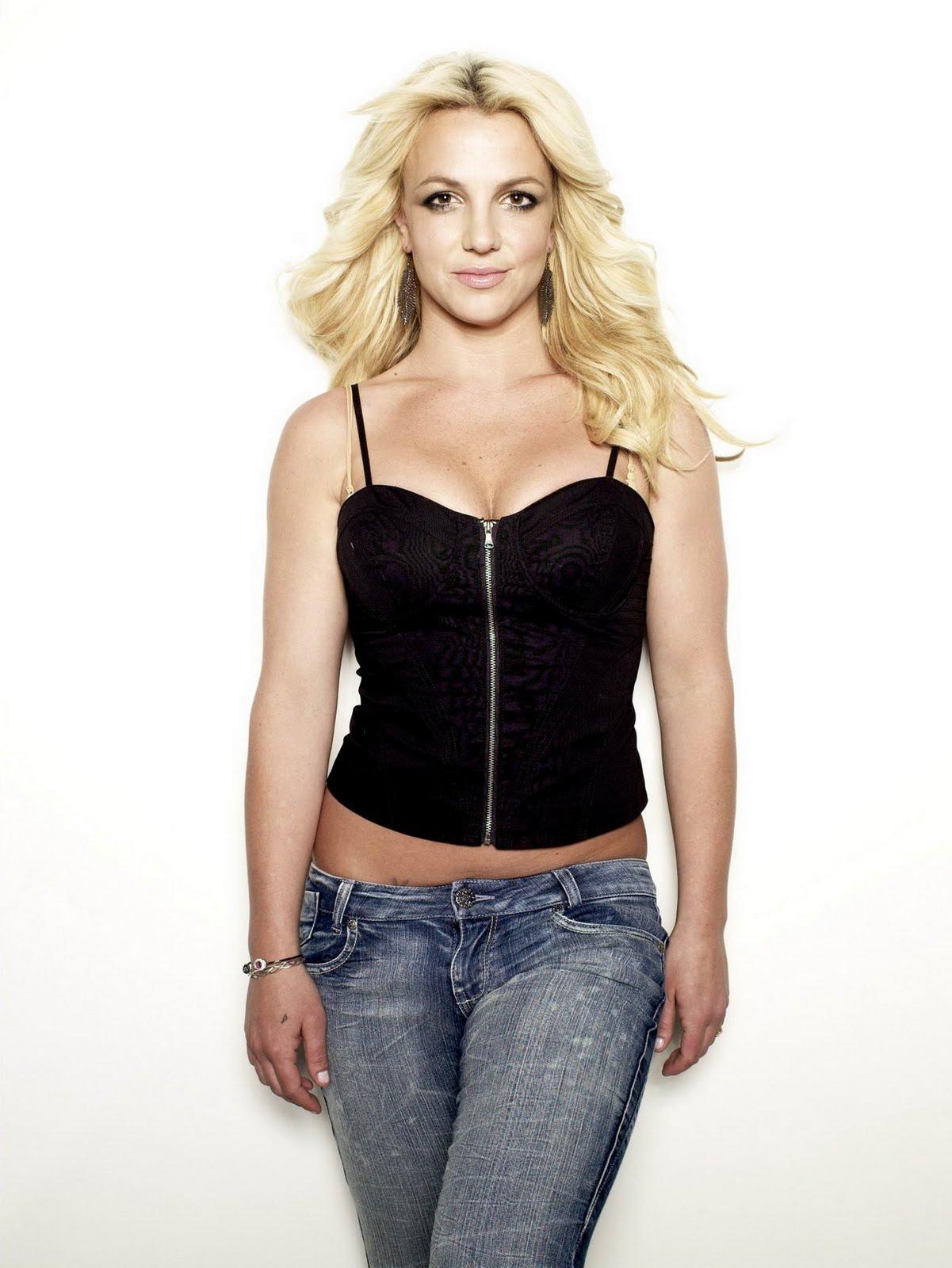 http://2.bp.blogspot.com/_cyH_7sPxVcQ/TJYv-kf7yMI/AAAAAAAAF5M/uq7NFW22CQs/s1600/Britney%2BSpears%2Bin%2Bblack%2Btank%2Btop%2Bfor%2BCosmo%2B(9).jpg