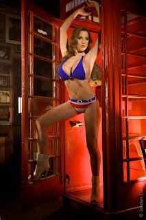 Jordan Carver là cảnh quan tuyệt đẹp trong bộ bikini cờ Mỹ