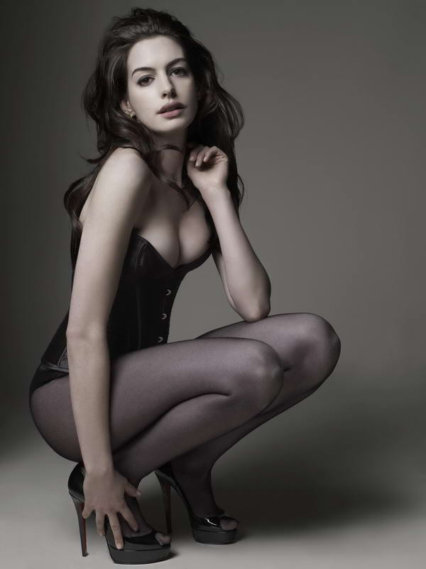 anne hathaway catwoman Anne Hathaway Confirmed As Selina Kyle (Catwoman)