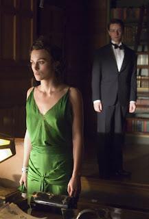 《贖罪》劇照:綺拉奈特莉(Keira Knightley)、詹姆斯麥艾維(James McAvoy)