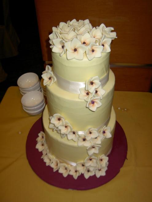 frangipani wedding cake ws