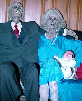 horror 30 Boneka boneka Ngeri