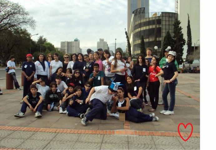 ALUNOS DA ESCOLA AGNELLA - 5ª série A e B em Porto Alegre- Visita ao Museu da Puc