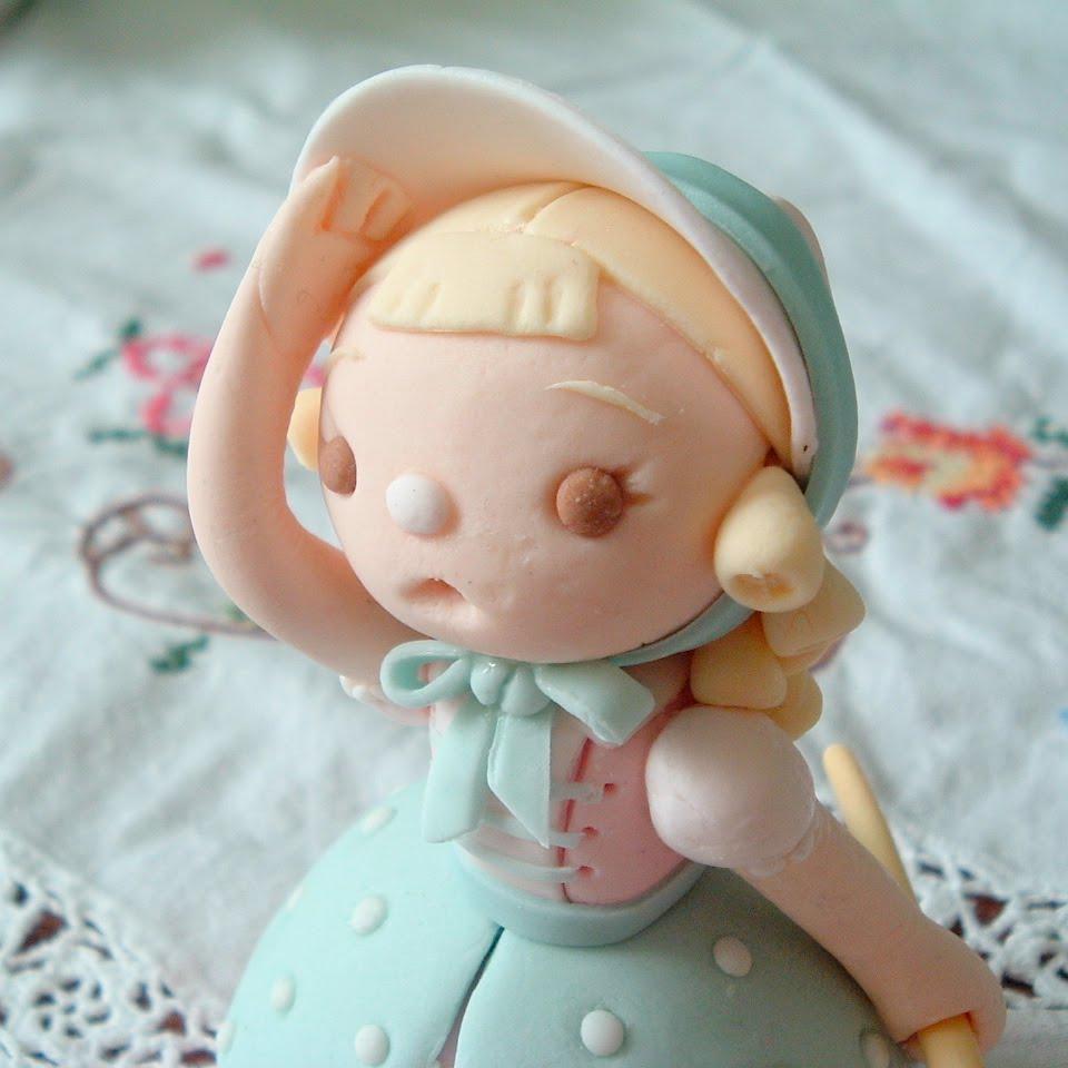make sugar paste decorating cake