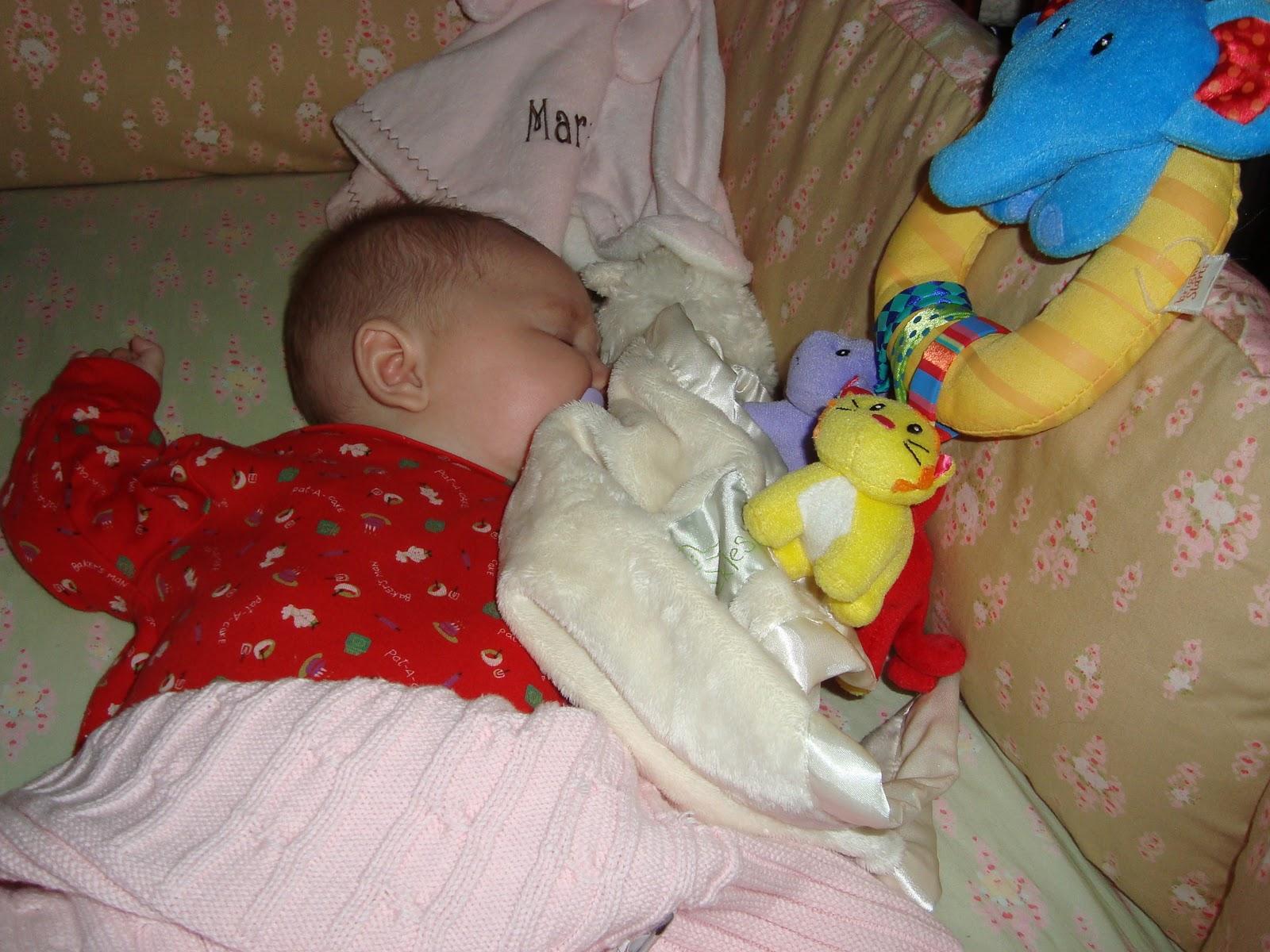 http://2.bp.blogspot.com/_d3B3i5U5aKY/TRjkRI_1FqI/AAAAAAAAA9U/jC4Exj-slRc/s1600/16+weeks+-+napping.JPG