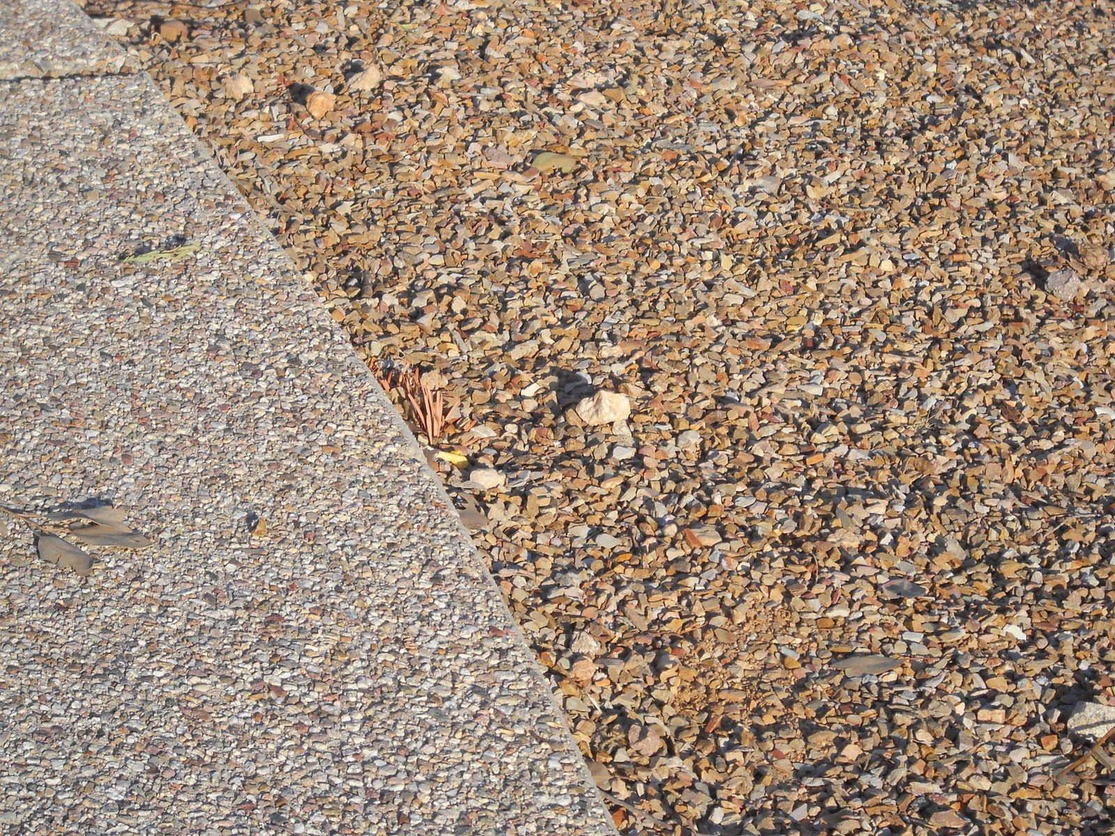 Crushed Granite Mulch : Crushed stone mulch