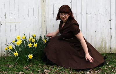 full skirt and daffodils