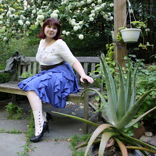 today's outfit, Lucky Brand tee, ruffled skirt, John Fluevog boots