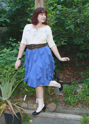 tee, skirt, belt, short waisted