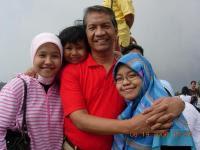 saya dan keluarga saya yang SEHAT bersama TRICA!