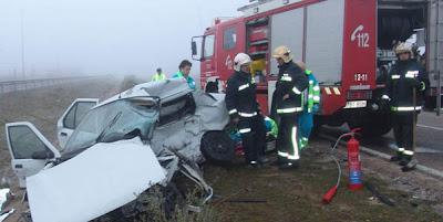 imagen de un accidente con bomberos