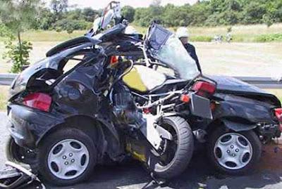 imagen de un accidente de coche y moto