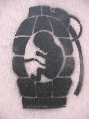 stencil bebe y granada