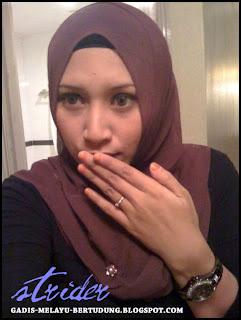 Gadis Melayu Tudung Cun