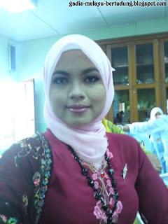 Awek Cun Baju Kebaya Moden Malaysia