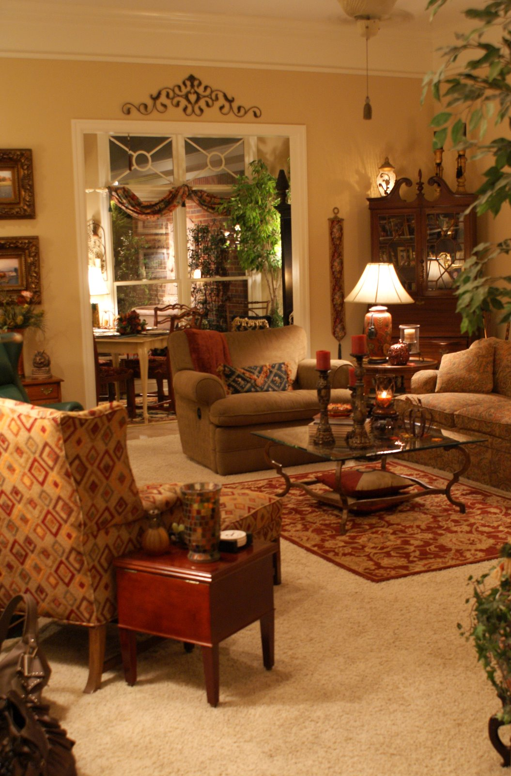 Warm Living Room Ideas: A Little Loveliness: A Warm Welcome