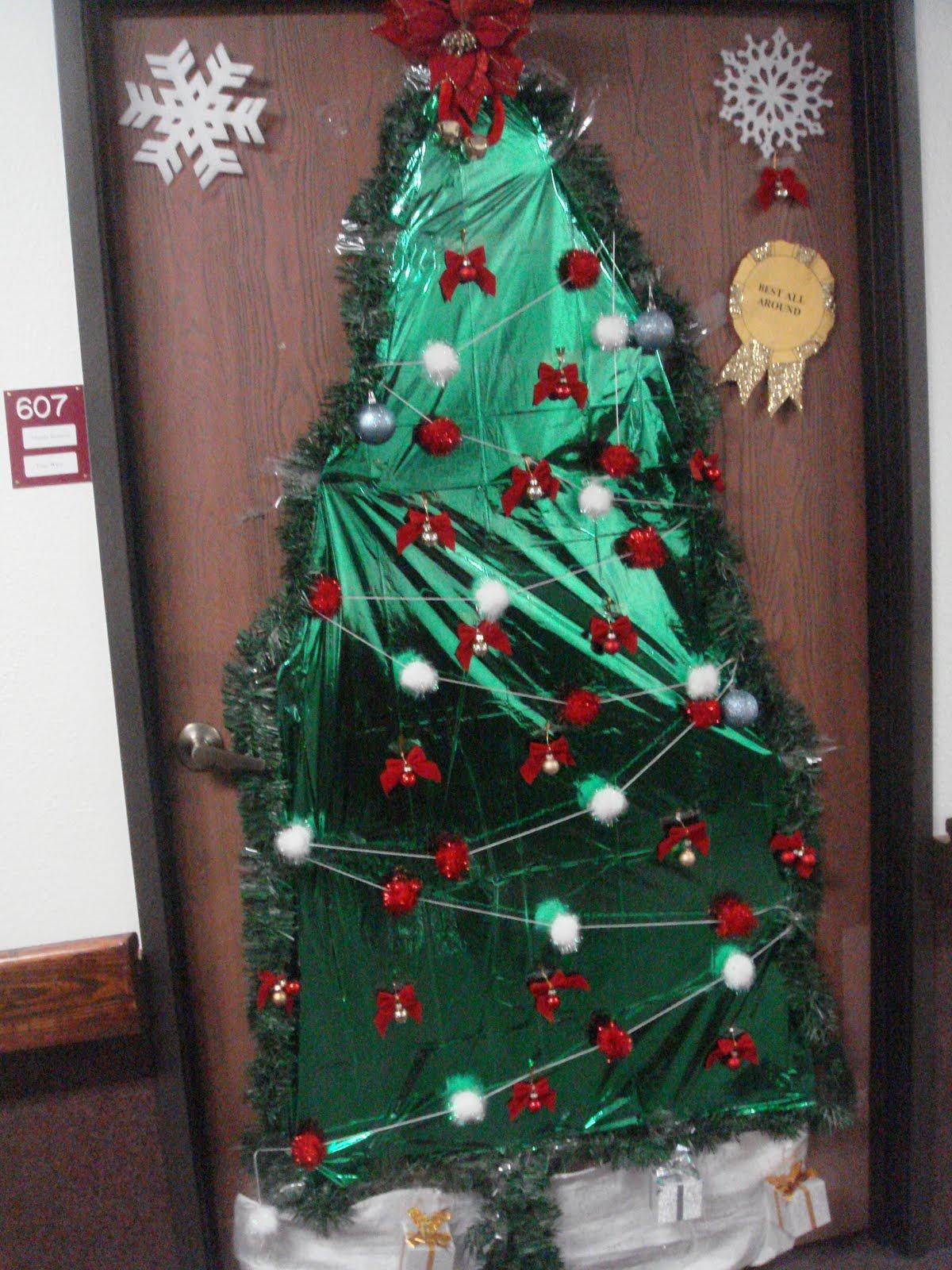 Joe M. O\'Connell: A nursing home Christmas