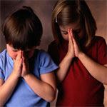 http://2.bp.blogspot.com/_d8wS0Dg_06k/SBdZP1rxWII/AAAAAAAAAPc/1YsvIhuHaQc/s400/ninos-rezando.jpg