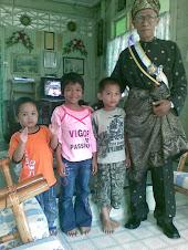 Ayahanda dan Cucu-cucunya