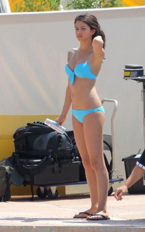 selena gomez monte carlo bikini pictures. selena gomez bikini monte