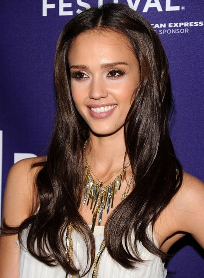 Sultry couture hair blog jessica alba gets hair extensions back in february jessica was seen sporting a super cute short shaggy bob at the valentines day premiere yesterday jessica alba showed off her newly pmusecretfo Image collections