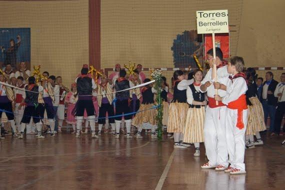 Desde la provincia de Zaragoza actuaron los Danzantes de Torres de Berrellen