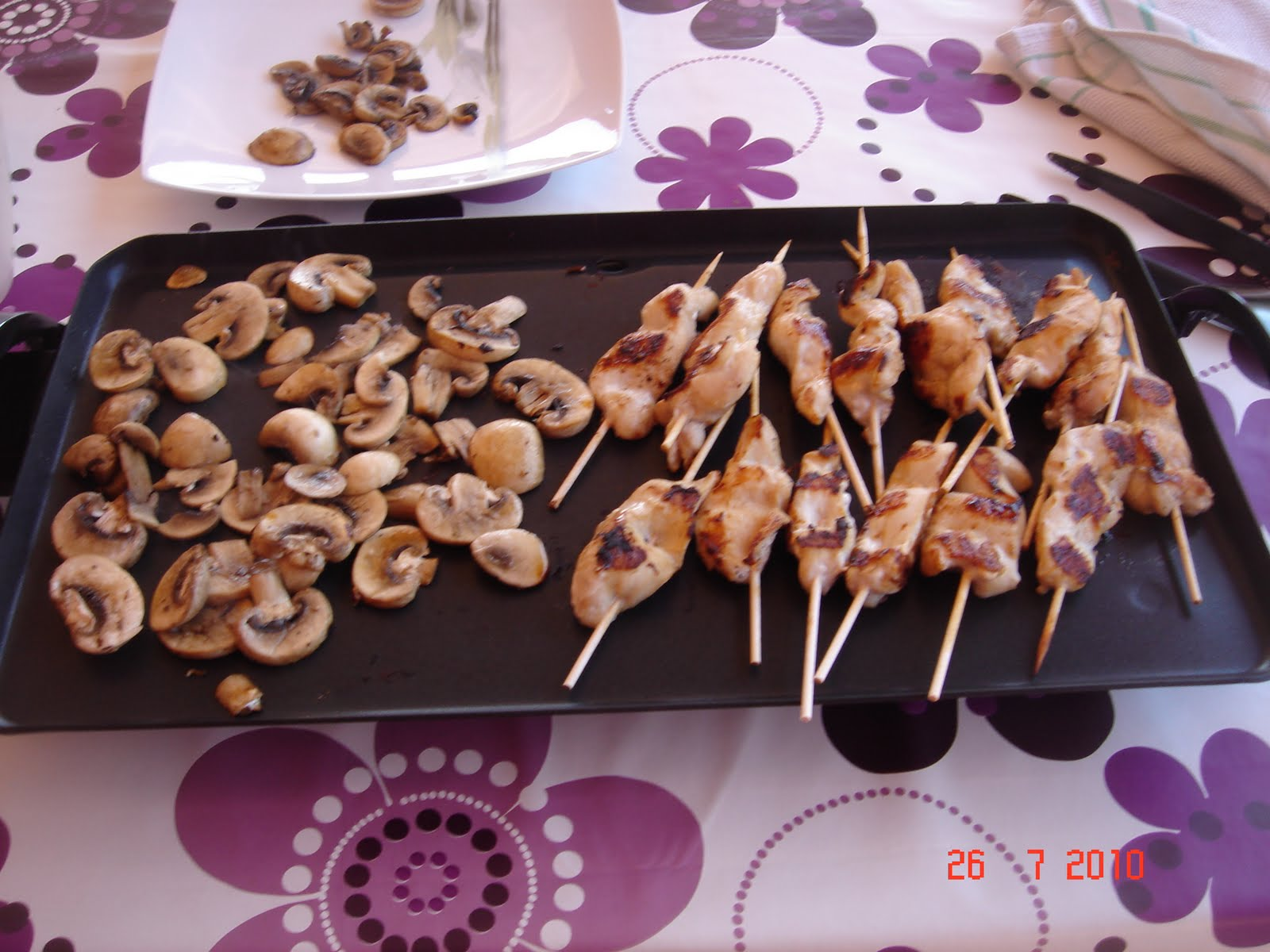 Cuisine sans chichis brochettes marin es et champignons - Cuisine a la plancha ...