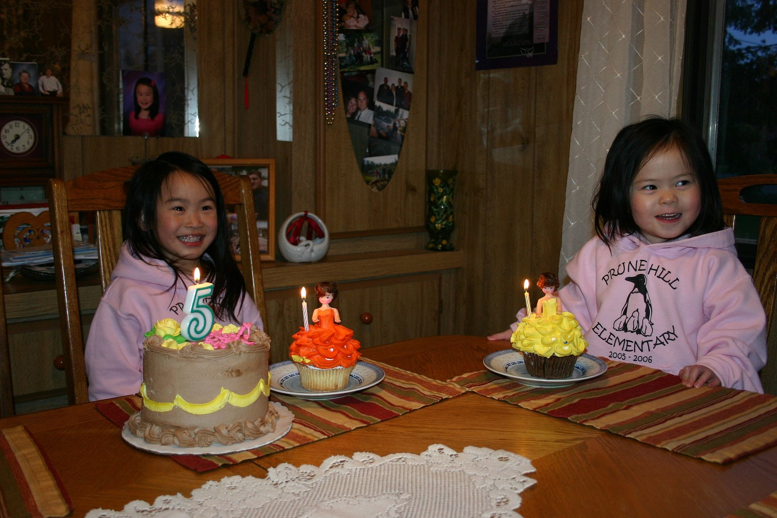 [Simones+First+5th+BDay+Party+011-1.JPG]