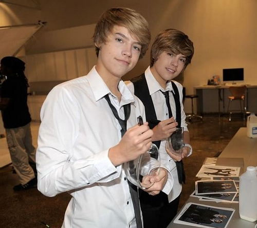 "Dylan and Cole Sprouse are ""got milk?"""