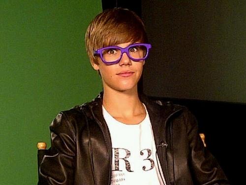 bieber purple hoodie. justin ieber purple glasses.