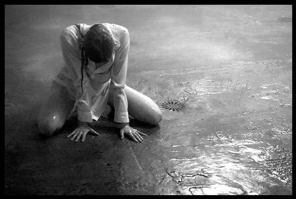 hoje quando acordei me senti sem alma tão sem alma que um grito ...