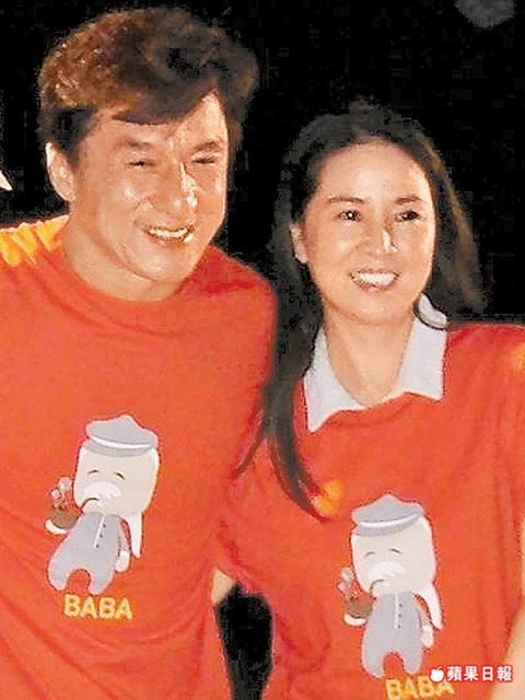 Jackie Chan Wife http://www.cpopaccess.com/2010/08/jaycee-chan-says-his-father-jackie.html