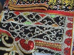 Contoh kerajinan manik-manik di Kota Singkawang