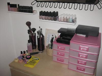 beautyaddicted meine make up aufbewahrung. Black Bedroom Furniture Sets. Home Design Ideas