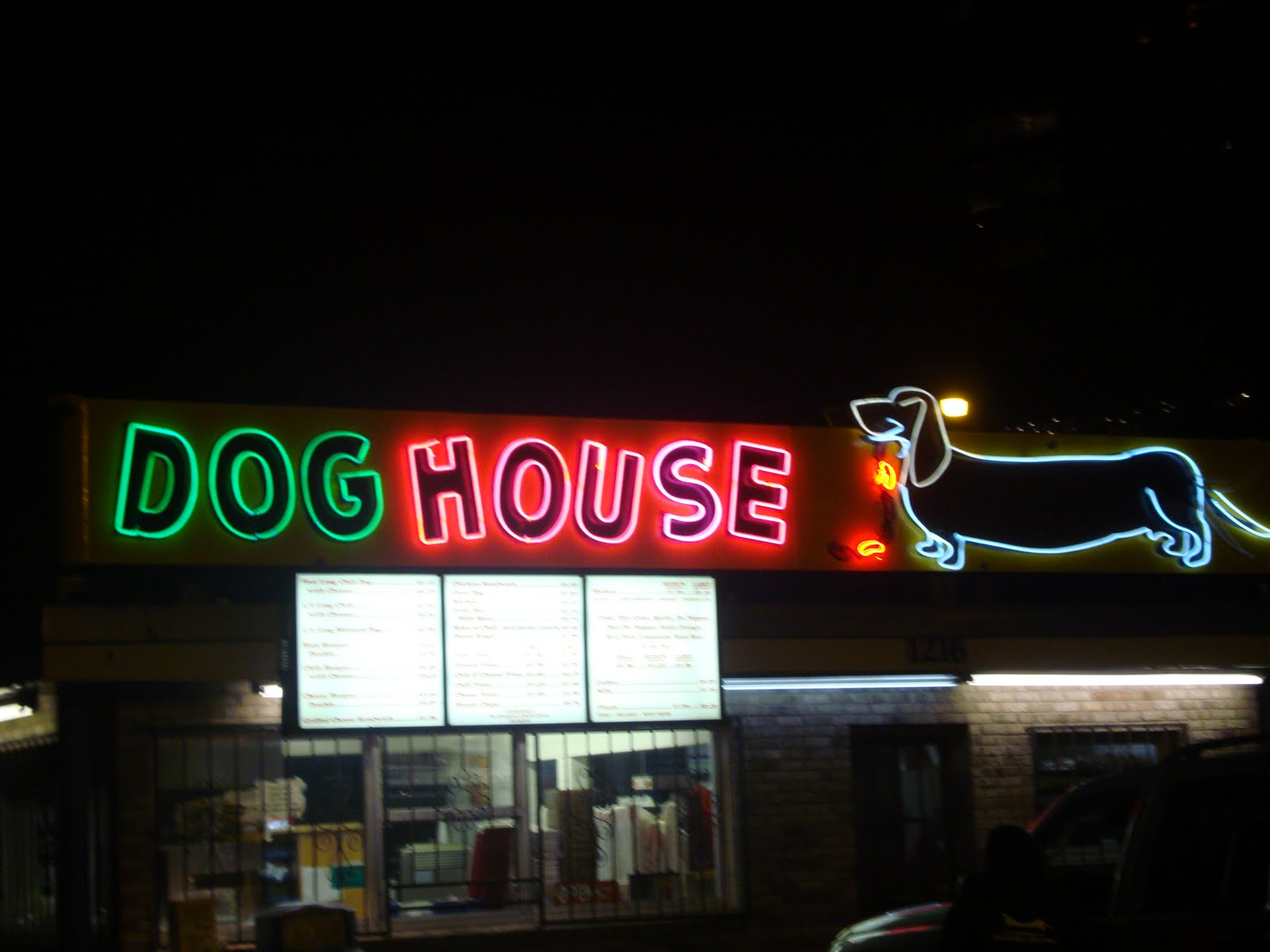Normal food and drink november 2009 for Dog house albuquerque
