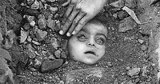 7 Foto Penderitaan Paling Sedih Sepanjang Masa.serbatujuh.blogspot.com