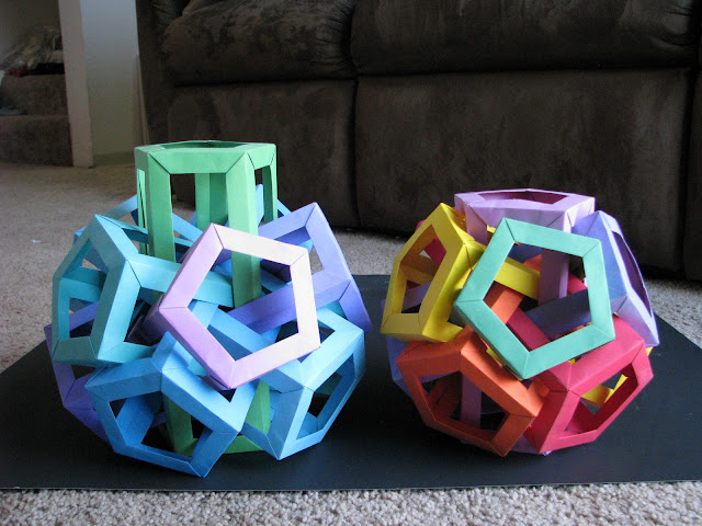 Daniel Kwan Six Interlocking Pentagonal Prisms Green to Purple and Red to Purple