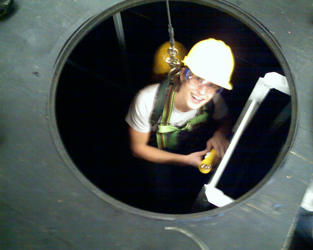 confined spaces 2 confined spaces and permit spaces how to comply with oregon osha's confined space rule about this guide confined spaces are harmless as long as they are not occupied.