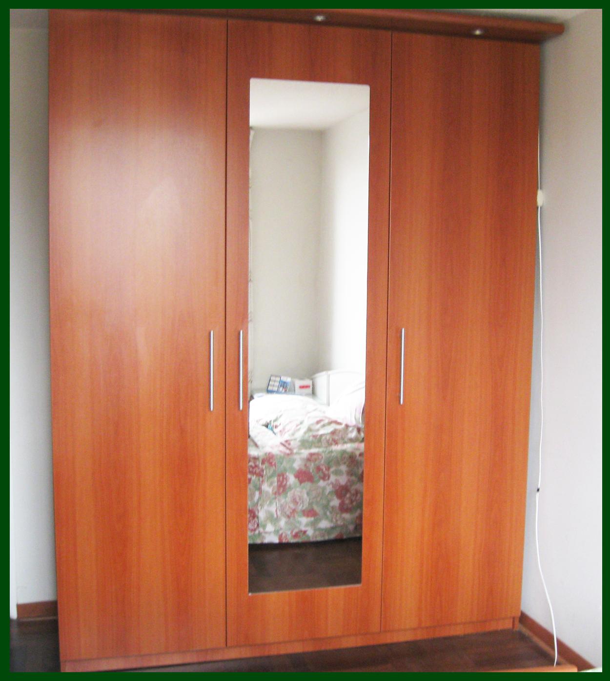 Muebles jose luis chingay closet exclusivo color majuelo for Modelos puertas para closet