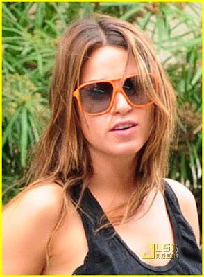Imagenes/Videos Paparazzi Cast Ashley-greene-nikki-reed-07%5B1%5D