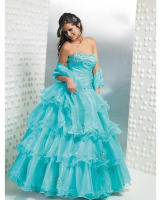 Vestidos: de novia, de 15 y de fiestas.