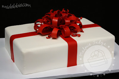buttercream gift cake red bow