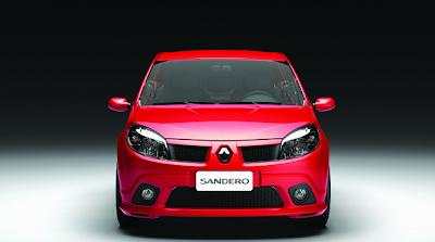 Auto Sandero concurso Tira Gol en el Stand de Renault