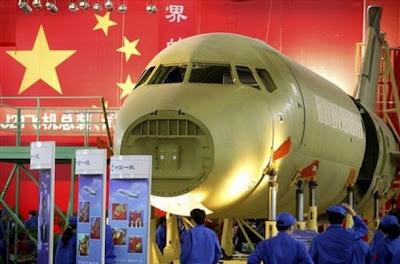 China lança o C919, o seu primeiro avião comercial